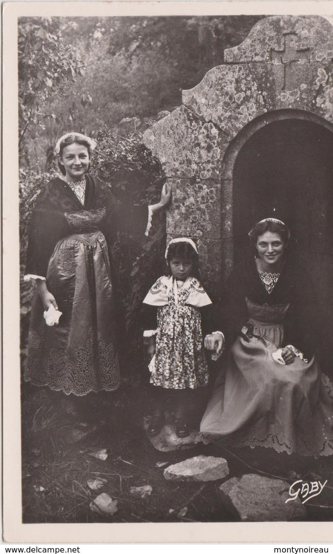 Côtes D ' Armor :  SAINT  JACUT De La  MER  :  Jeunes  Filles  1951 - Saint-Jacut-de-la-Mer