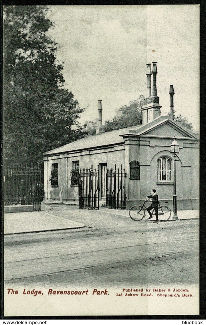Ref 1249 - Early Postcard - Boy & Bicycle At The Lodge Ravenscourt Park London - London Suburbs