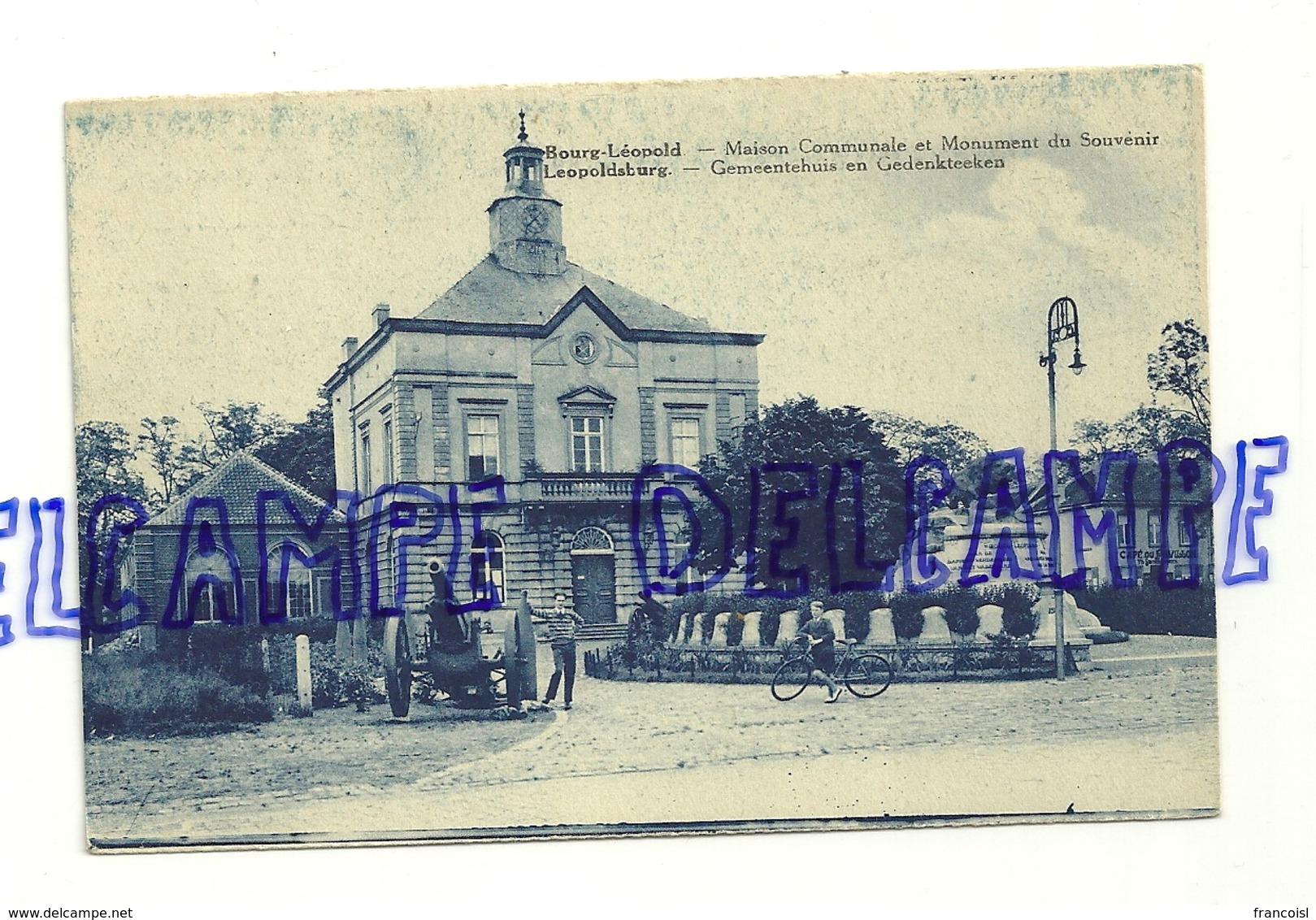 Bourg-Léopold. Maison Communale Et Monument Du Souvenir. Carte Animée, Vélo. Ed. Loosvelt-Adeline - Leopoldsburg