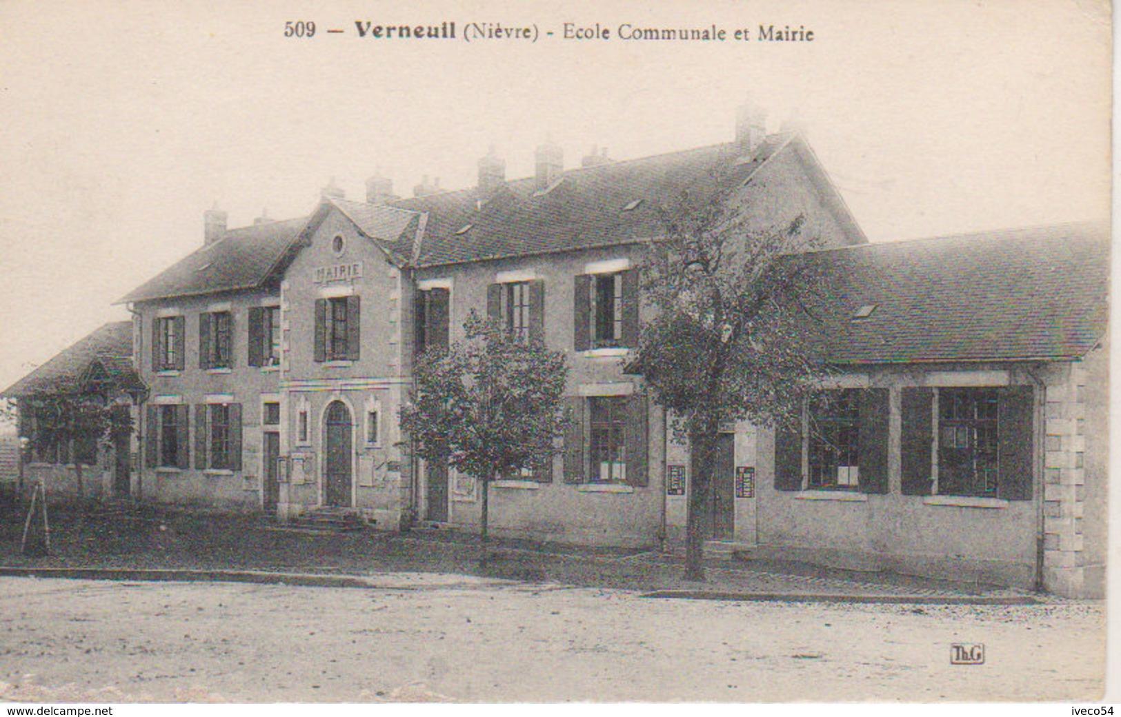 """Verneuil   """" Ecole Communale Des Filles """" - Decize"""
