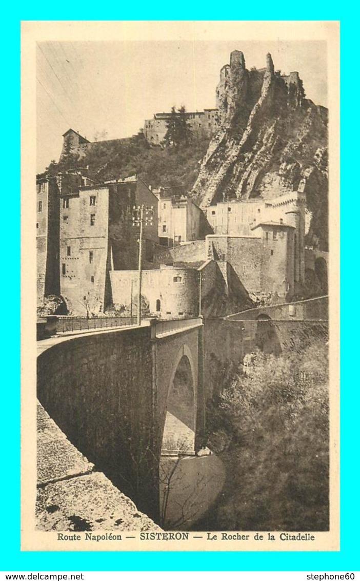 A729 / 549 04 - SISTERON Le Rocher De La Citadelle - Sisteron