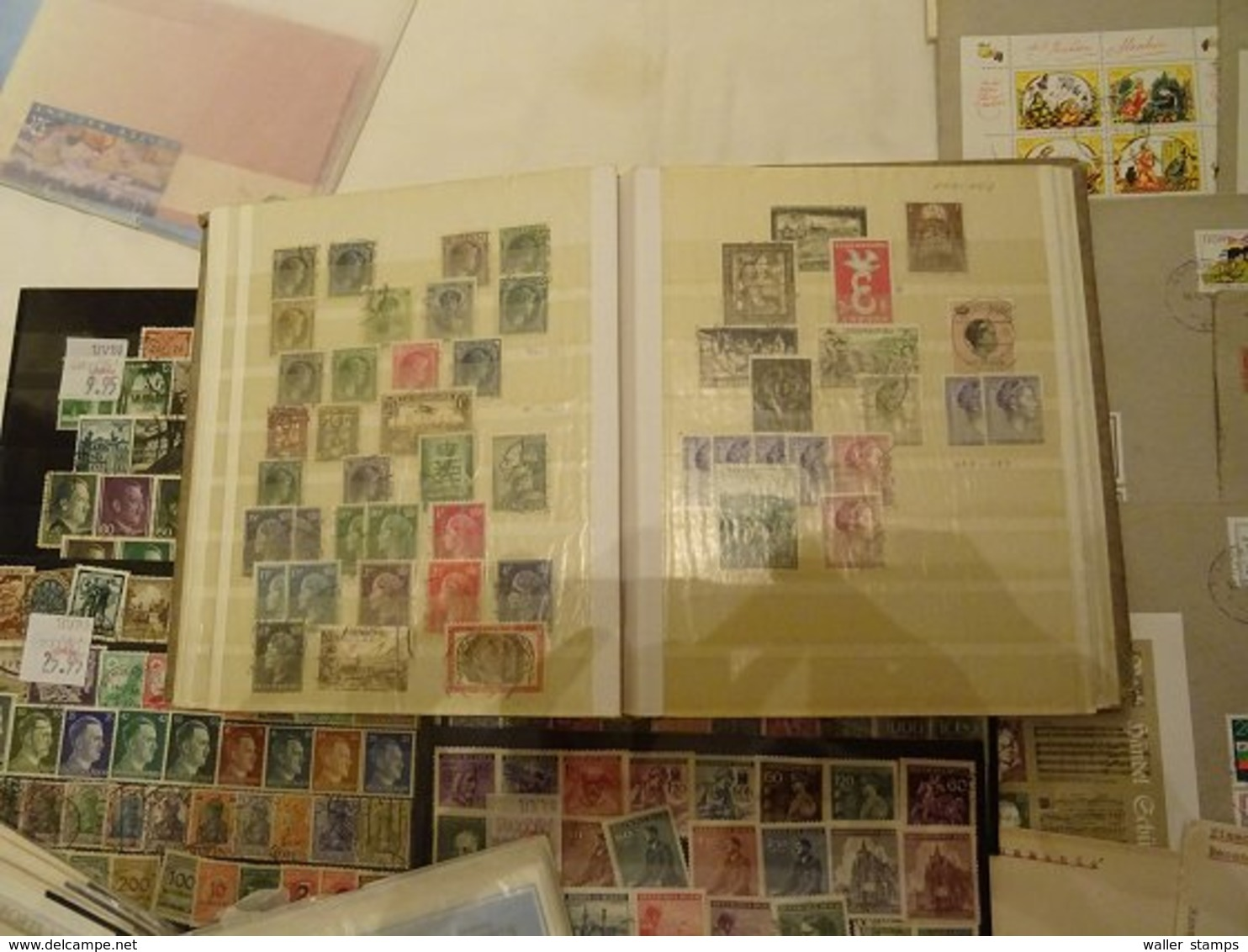 Lot With World Stamps - Timbres
