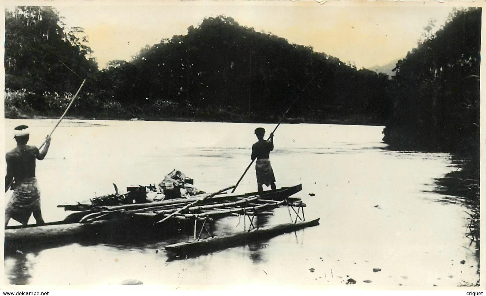 Archipel Des Fidjis,  Pirogue Sur La Rewa - Fidji