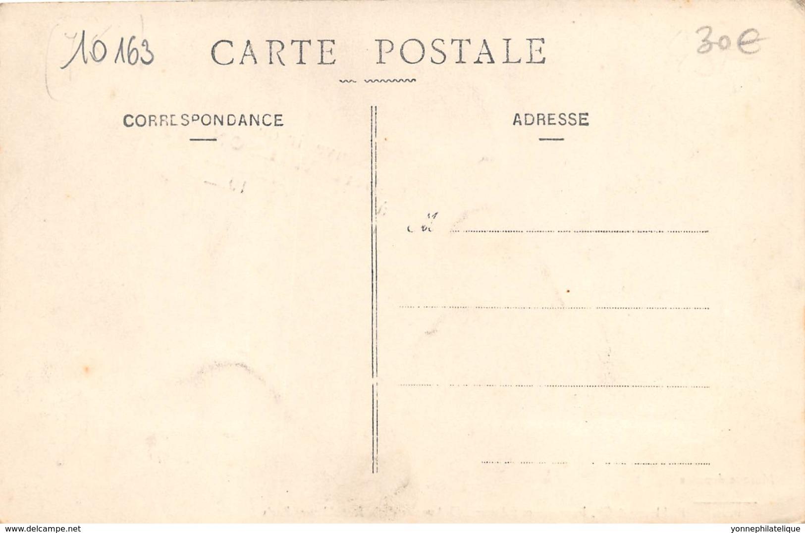 75 - Paris / 10163 - Souvenir De Robert Wilson - L' Homme Cible Autour Du Monde - Other