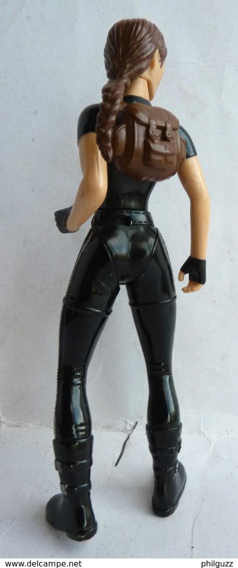 FIGURINE PLAYMATES LARA CROFT TOM RAIDER 2001 (2) - Figurines