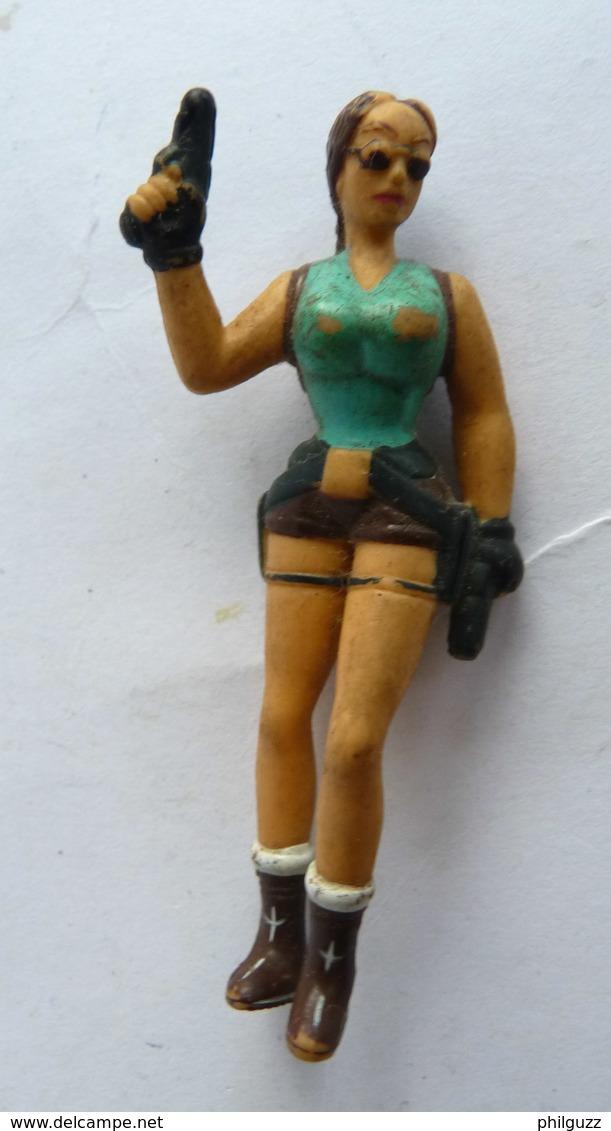 FIGURINE LARA CROFT EN PVC MARQUE INCONNUE 64 Mm - Figurines