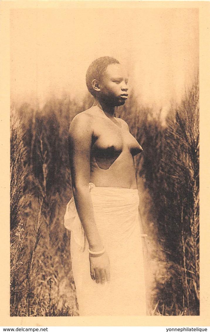 Ruanda Urundi / 03 - Jeune Femme - Nu - Ruanda-Urundi