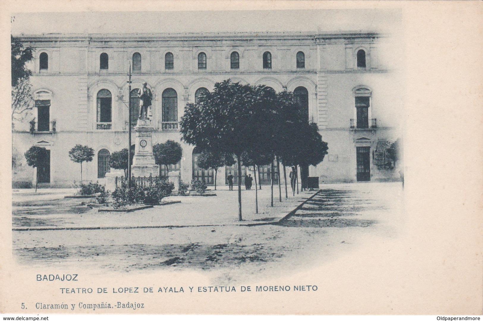 POSTCARD SPAIN ESPAÑA - BADAJOZ - TEATRO DE LOPEZ DE AYALA Y ESTATUA DE MORENO NIETO - Badajoz