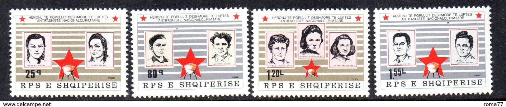 XP3981 - ALBANIA 1982 , Yvert Serie N. 1928/1931  ***  Martiri - Albania