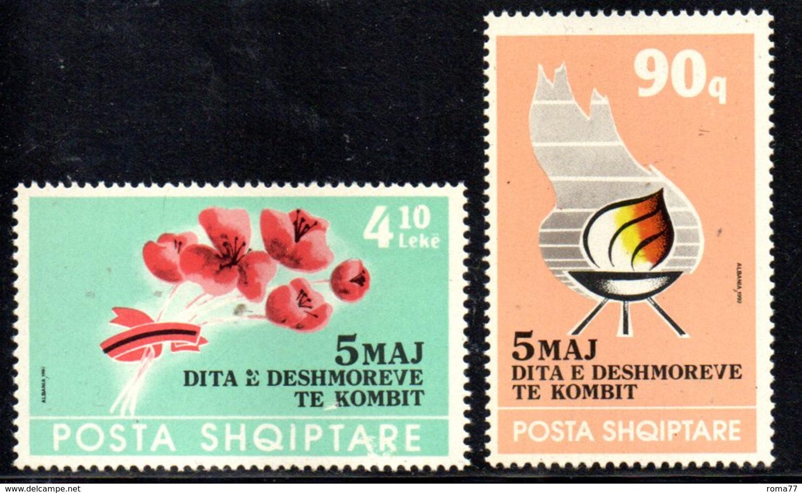XP4033 - ALBANIA 1992 , Yvert Serie N. 2278/2279  ***  Martiri - Albania