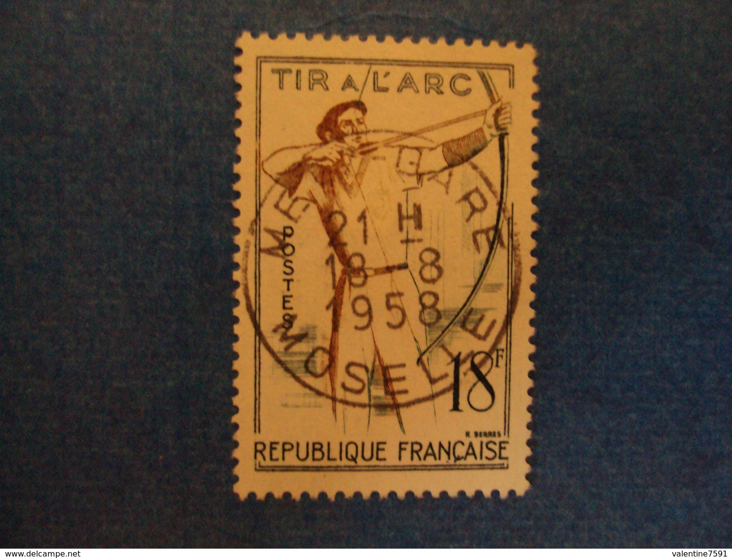 """1956-  Timbre Oblitéré   N°    """"Sports, Jeux Tradionnels ;  Tir à L'arc        """"cote    1.60   Net   0.55 - France"""