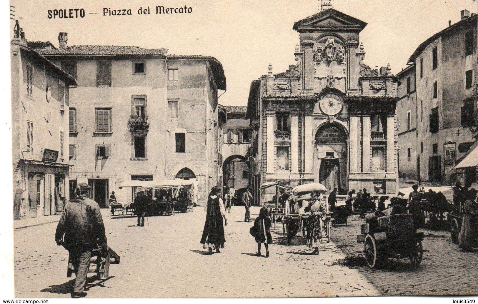 Spoleto  Piazza  Del  Mercato - Italie