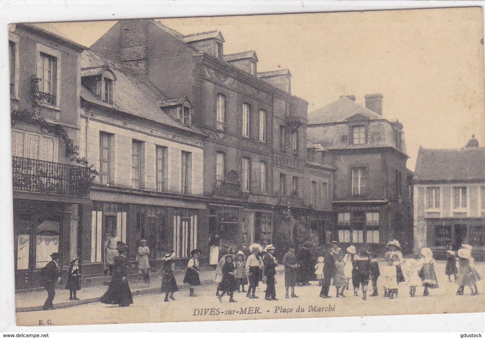Calvados - Dives-sur-Mer - Place Du Marché - Dives