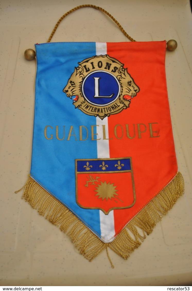 Rare Fanion Lion's Club Guadeloupe - Organizations