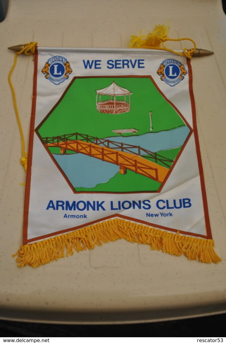 Rare Fanion Lion's Club Armonk New-York USA - Organisaties