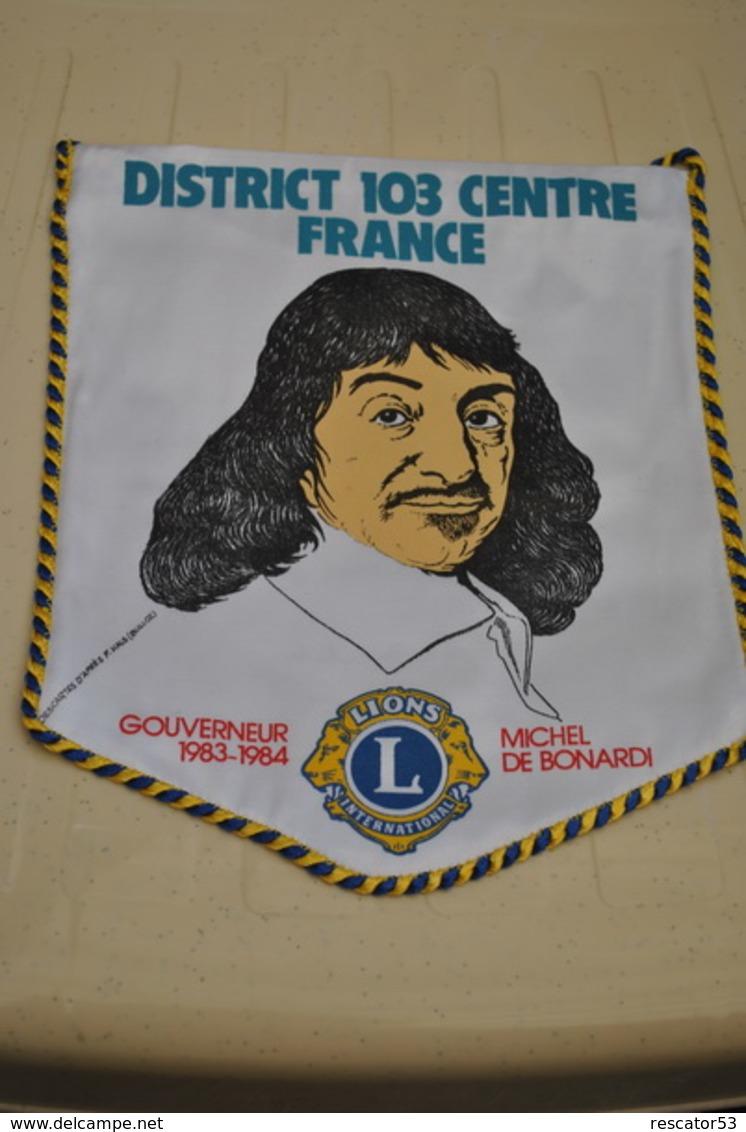 Rare Fanion Lion's Club Gouverneur Michel De Bonardi - Organizaciones
