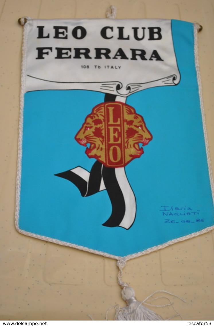 Rare Fanion Lion's Club Ferrara Italie - Organizaciones