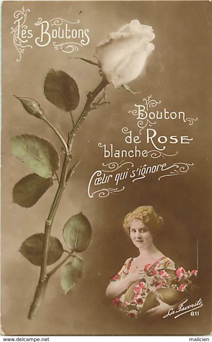 -ref-B25- Fleurs - Fleur - Les Boutons - Bouton De Rose Blanche - Roses - Femme - Femmes - Carte Bon Etat - - Fleurs