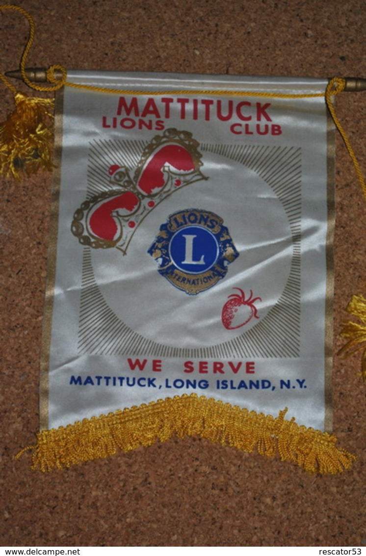 Rare Fanion Lion's Club Mattituck Long Island New-York - Organizaciones