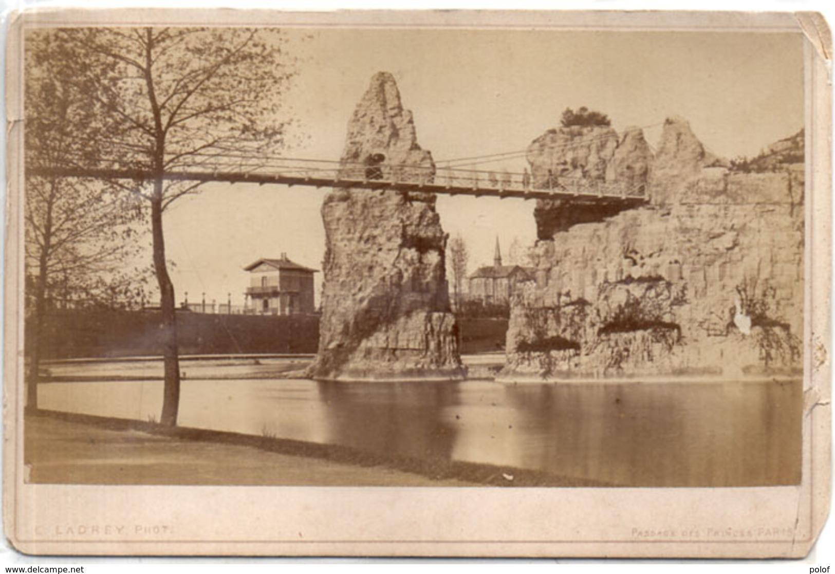 PARIS - Les Buttes Chaumont - Passage Des Princes - LADREY Phot./  -  (110970) - Photos