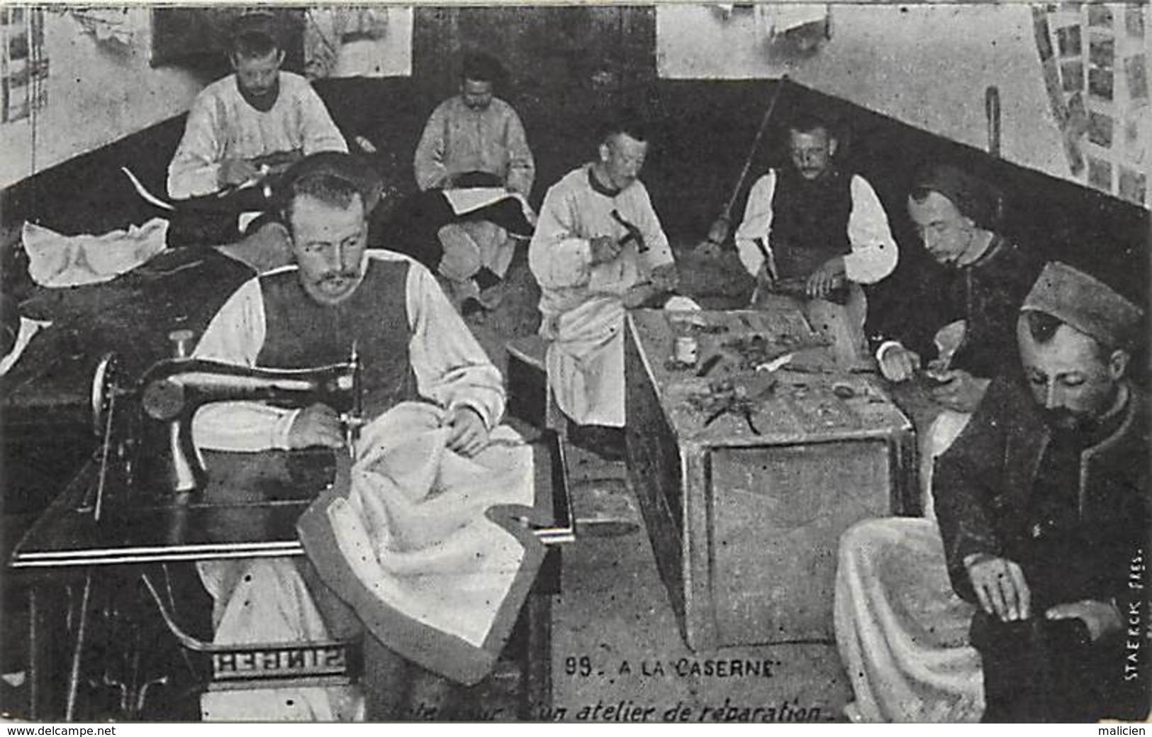 -ref-A936- Militaria - A La Caserne - Atelier De Reparation - Couture - Couturiers - Rmachines A Coudre - - Casernes