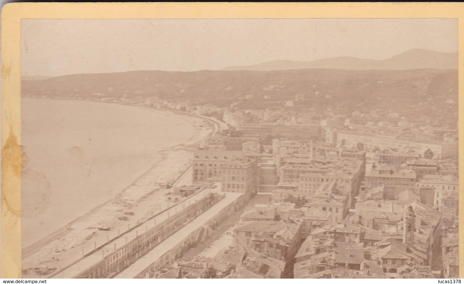 06 / NICE  / VUE PRISE DU CHATEAU / /   PHOTO COLLEE SUR CARTON - FIN XIXe DEBUT XXe Siècle / 16 X 10 CM - Anciennes (Av. 1900)