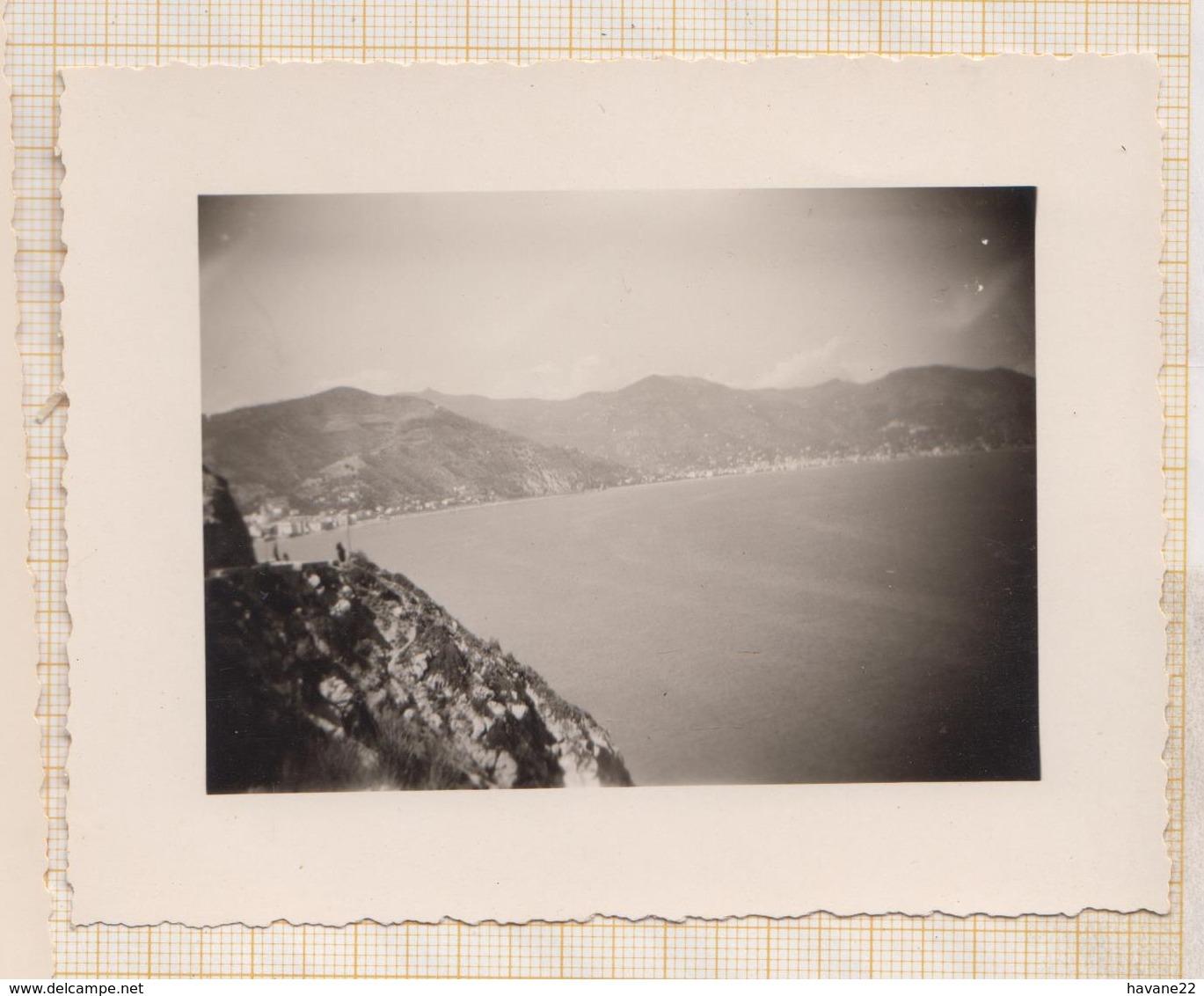 8AK4160 PHOTO AMATEUR 8 X 10.5 CM VUE DE NICE 1948 2 SCANS - Lieux