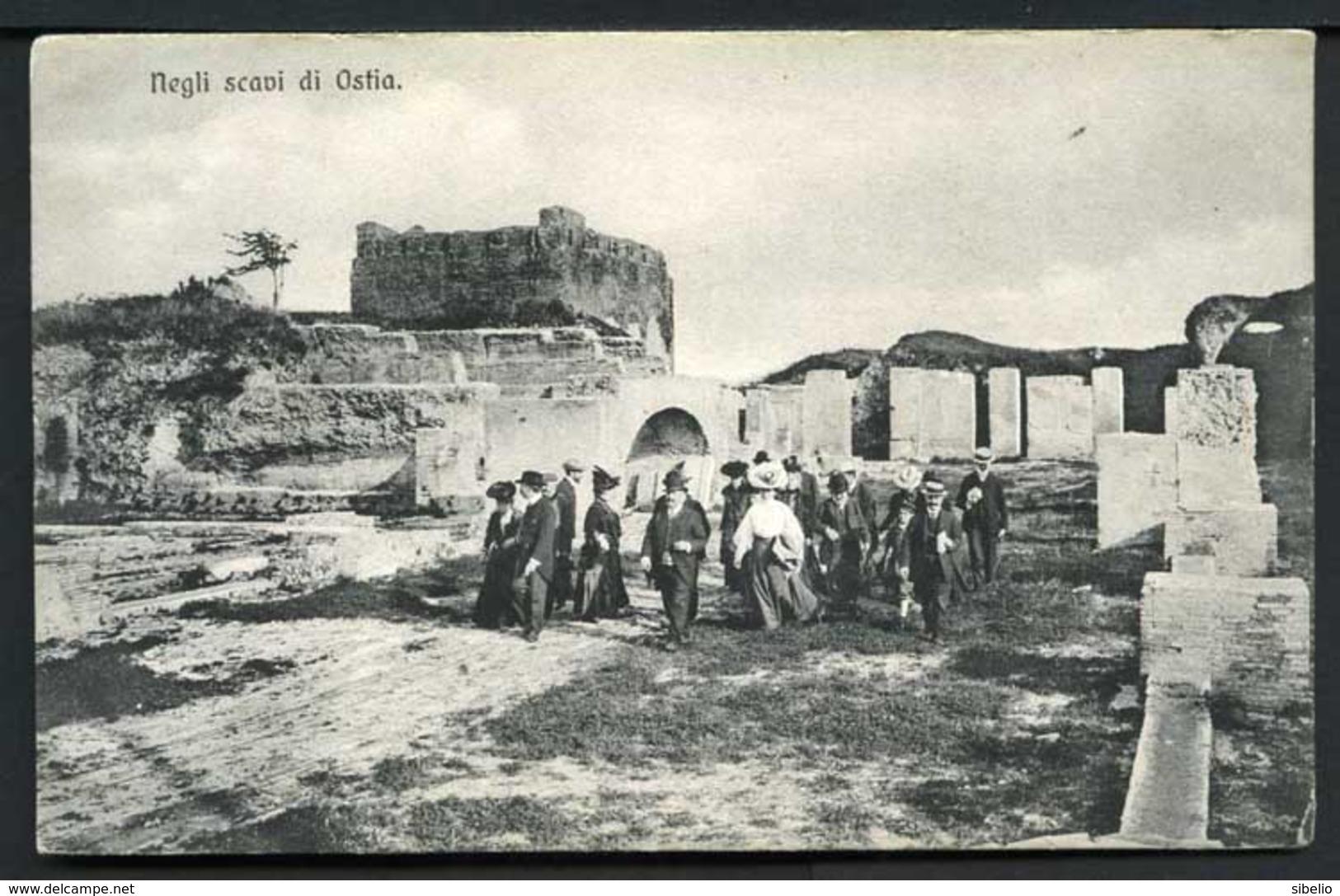 Negli Scavi Di Ostia - Non Viaggiata - Rif. 03247 - Italia