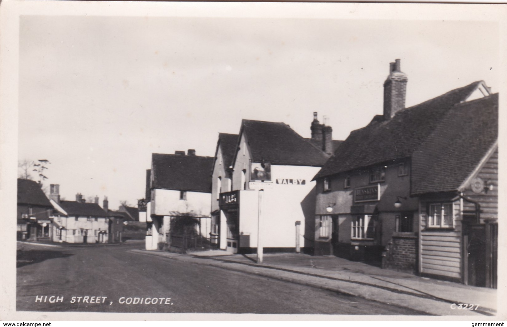 CODICOTE - HIGH STREET - Surrey