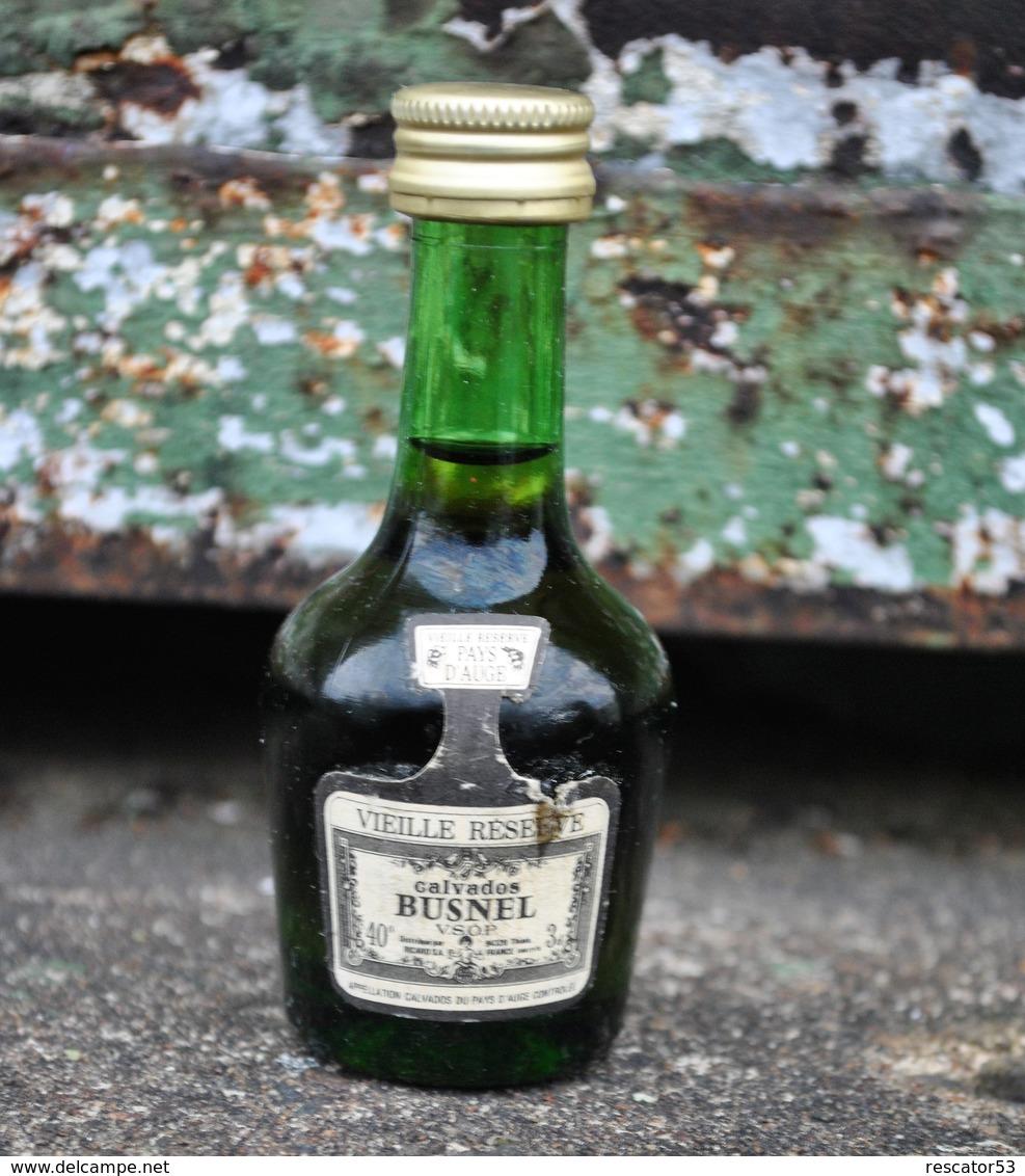 Rare Ancienne Mignonnettes Vielle Réserve Calvados Busnel - Miniaturflaschen