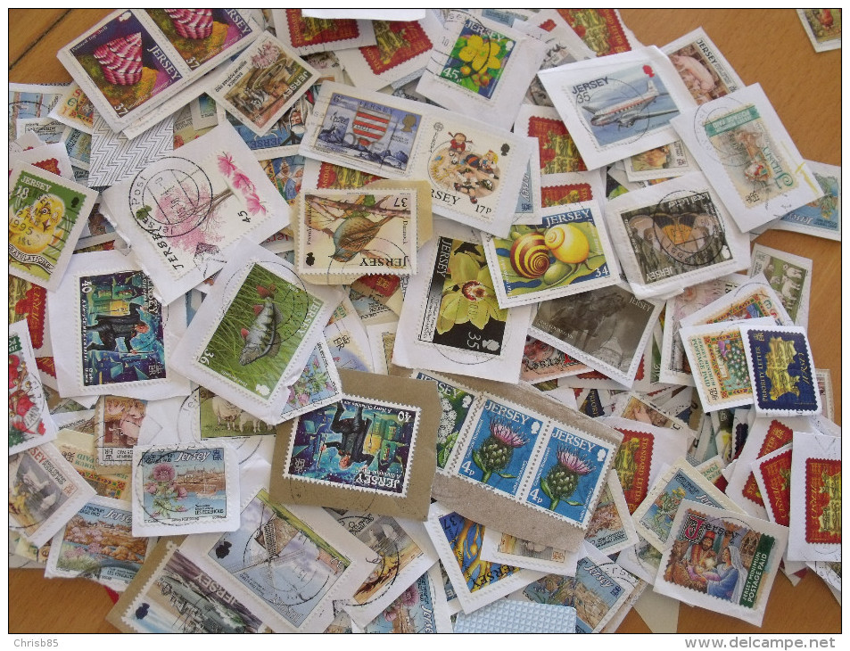 LOT 250 GRAMMES TIMBRES COLLECTION ILES BRITANNIQUES  JERSEY - Timbres