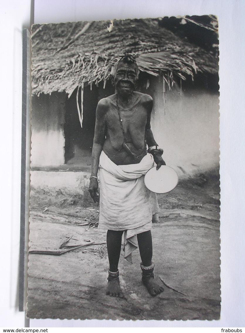 COTE D'IVOIRE - VIEILLE FEMME DE LA REGION DE MAN - Côte-d'Ivoire
