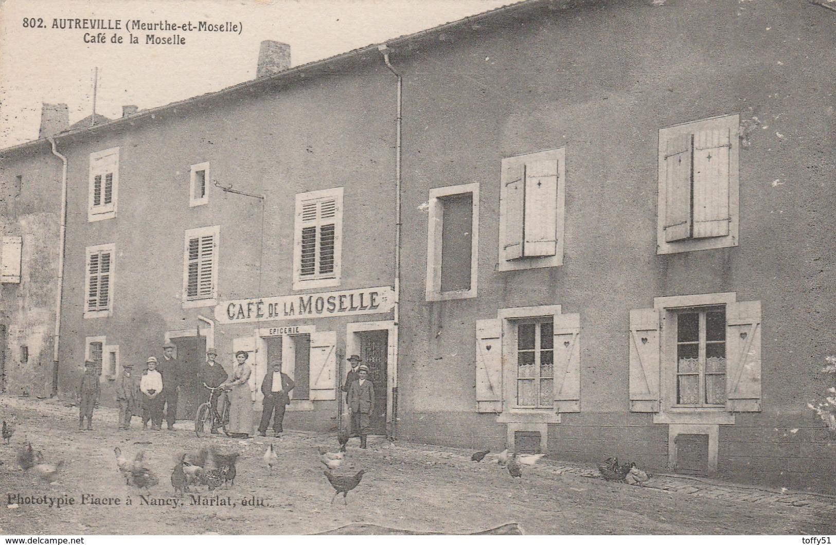 CPA:AUTREVILLE (54) CAFÉ DE LA MOSELLE PERSONNES VOLAILLES DEVANT - France