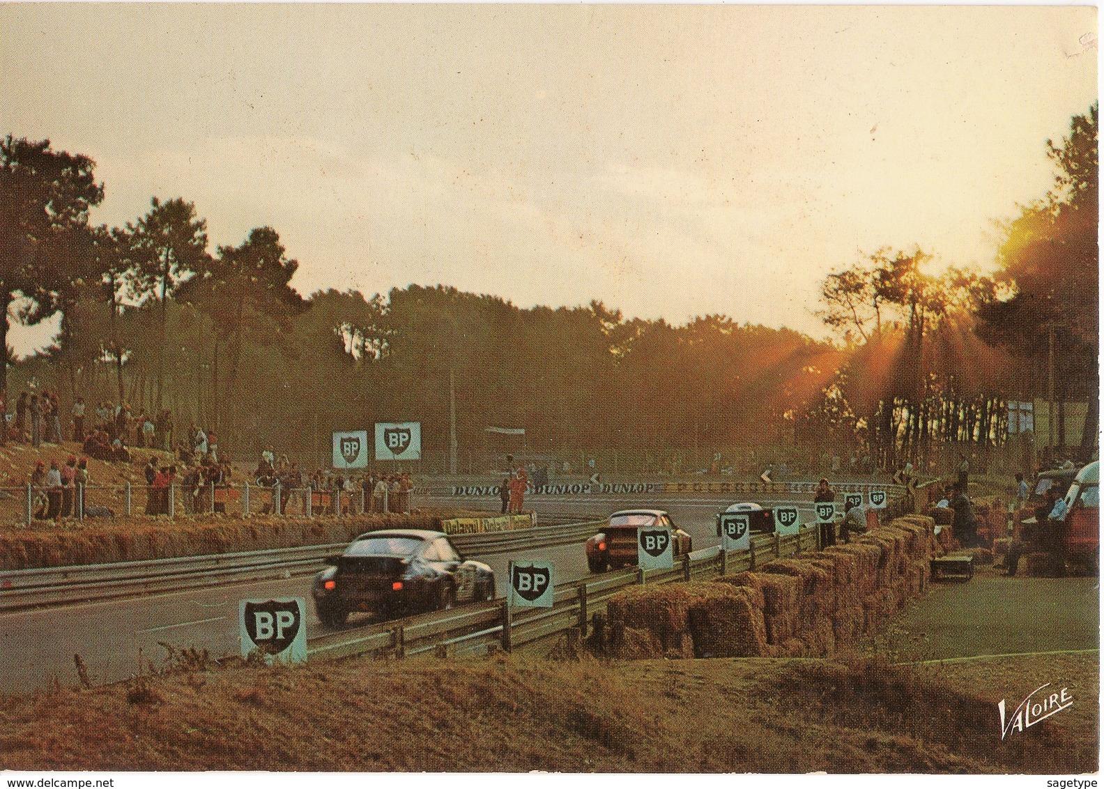 72 . LE MANS . CIRCUIT DES 24 HEURES . Le Jour Se Lève Sur La Célèbre Course Automobile - Valoire 24574 - Le Mans