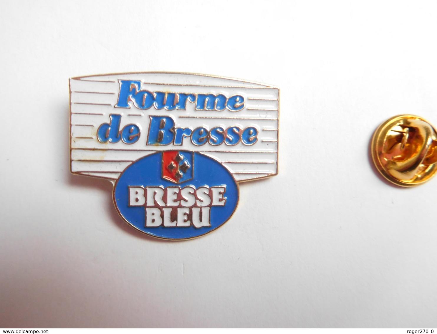 Superbe Pin's , Fromage Fourme De Bresse , Bresse Bleu , Verso Quadrillé - Food