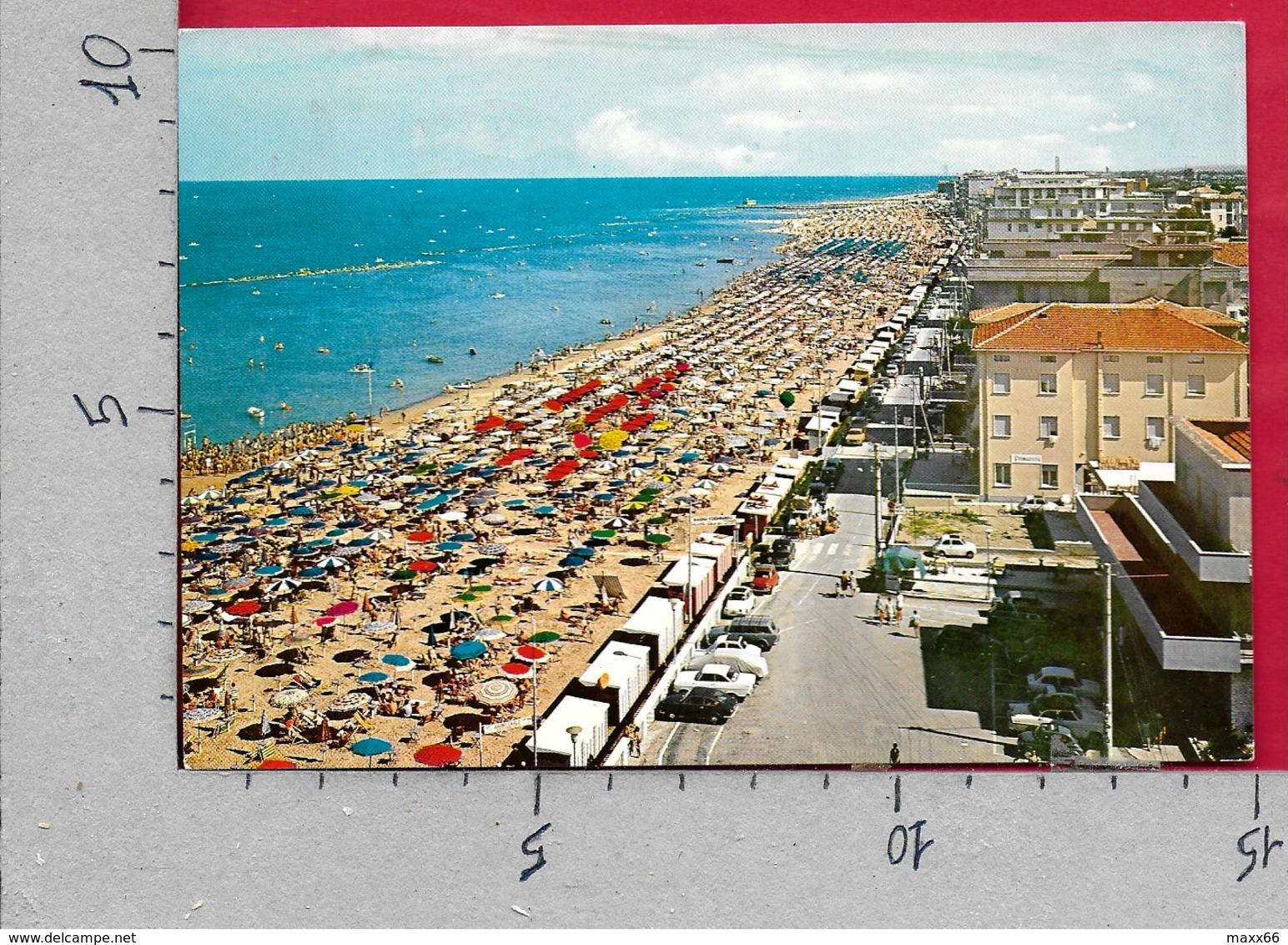 CARTOLINA VG ITALIA - BELLARIA (RN) - La Spiaggia - 10 X 15 - ANN. 1972 - Rimini