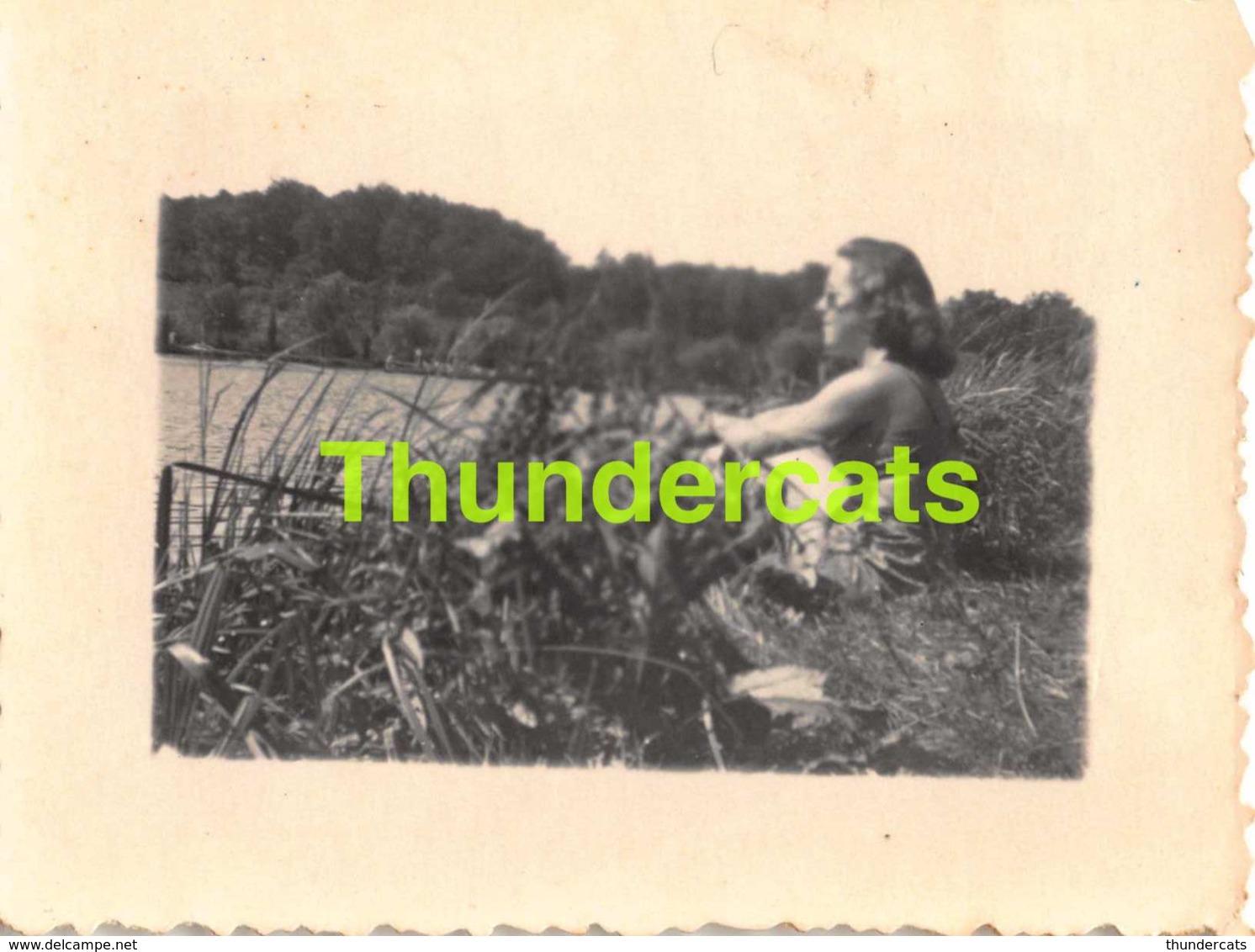 ANCIENNE PHOTO VINTAGE SNAPSHOT 5 CM X 7 CM  FEMME MAILLOT DE BAIN LADY  RENIPONT LASNE - Personnes Anonymes