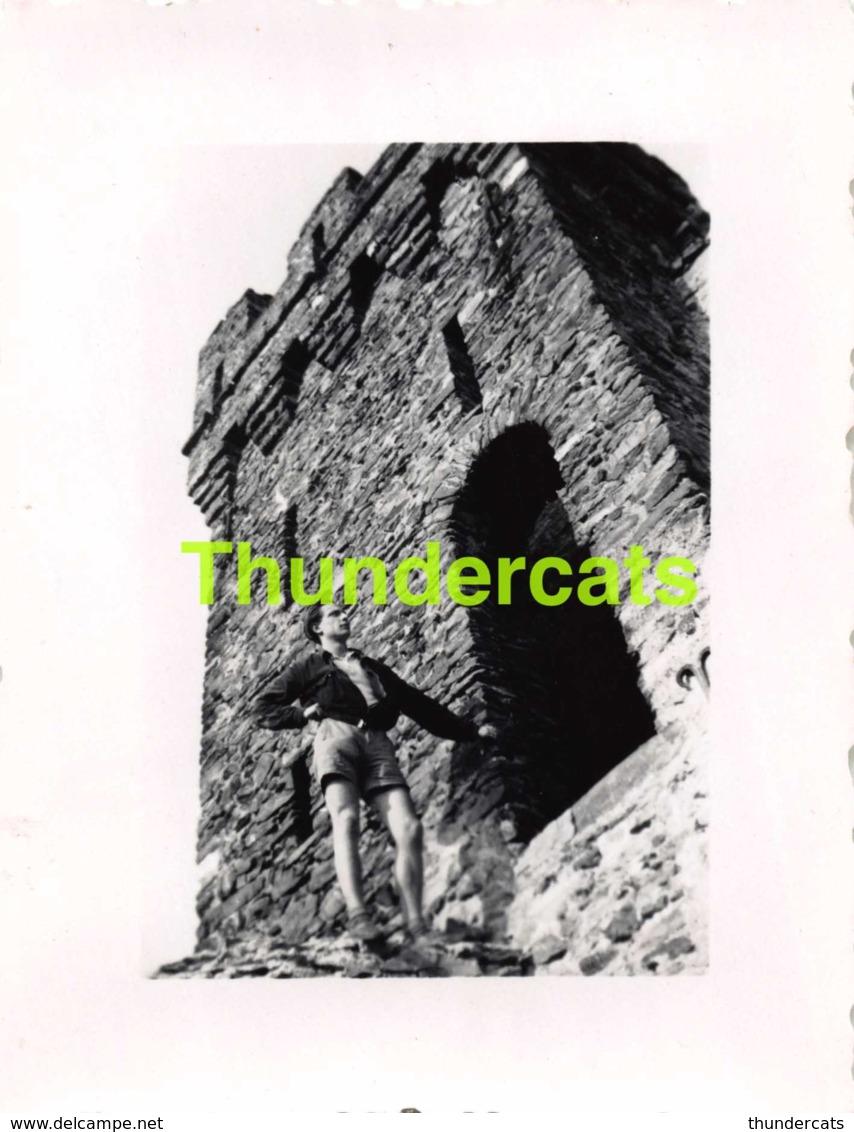 ANCIENNE PHOTO VINTAGE SNAPSHOT 6 CM X 7,5 CM  TOUR D'EAU PRIS DU CANAL A CLABECQ KLABBEEK - Personnes Anonymes