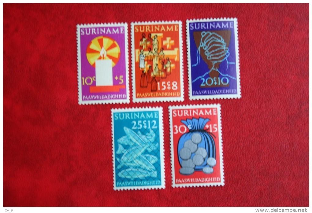 Paaszegels Easter NVPH Nr: 579-582 Mi 618-622  1972 MNH / Postfris SURINAME / SURINAM - Surinam ... - 1975