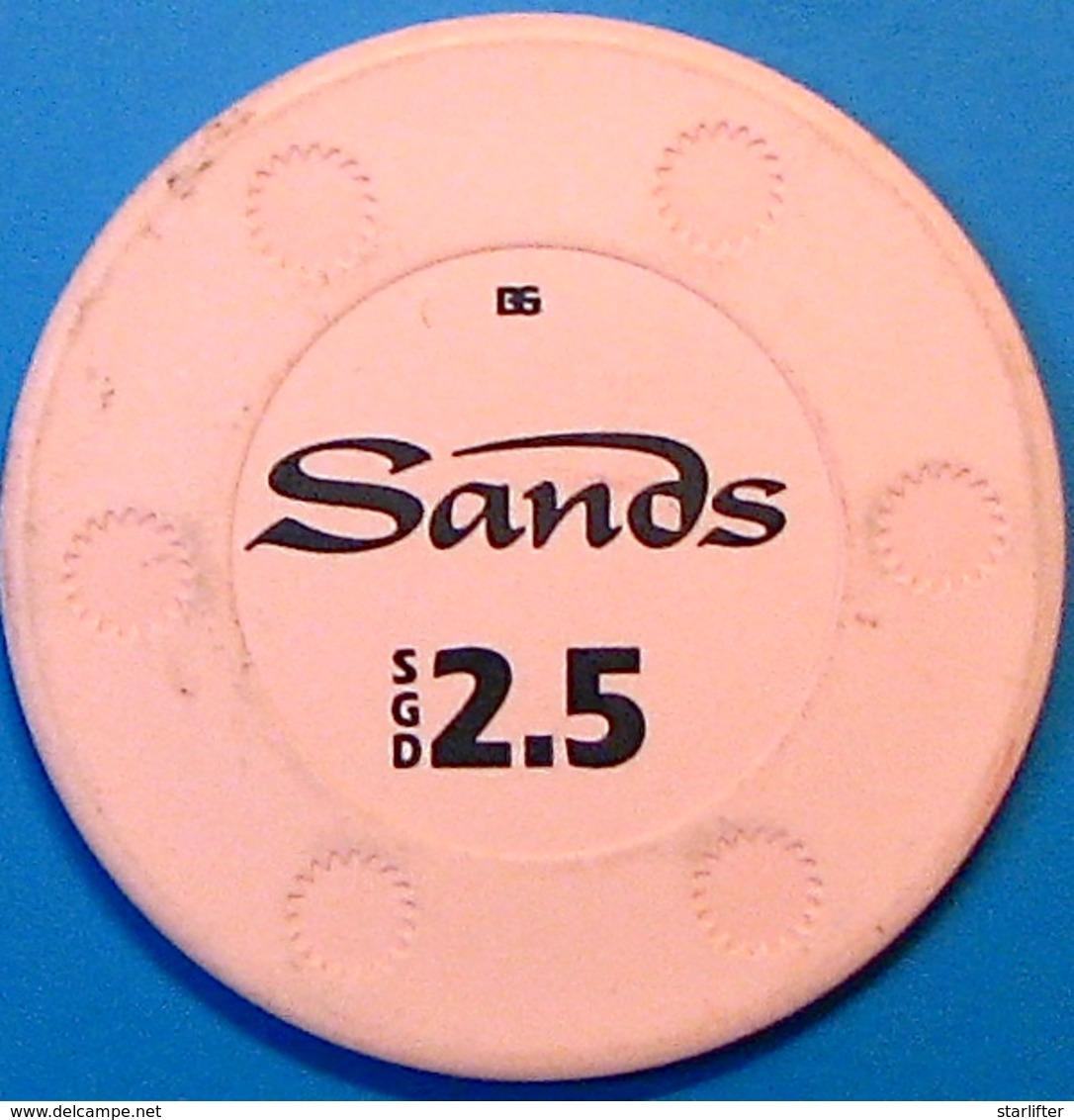 2.50 Casino Chip. Marina Bay Sands, Singapore. N39. - Casino