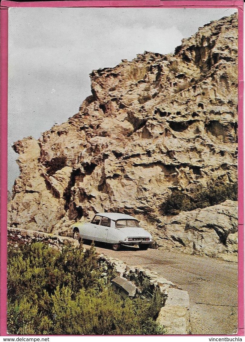 Corse - Ile De Beauté Rochers Corrodés Par Le Vent Dans Le Désert Des Agriates - Citroën DS - France
