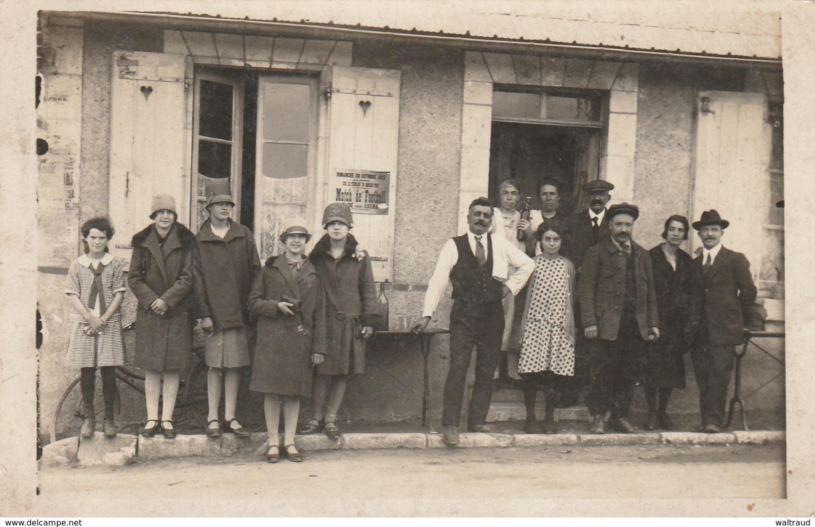 37CHISSEAUX-FAMILLE REUNIE -AFFICHAGE MATCH DE FOOT BALL-TERRAIN MOULIN FORT--VOIR SCANNER - Autres Communes