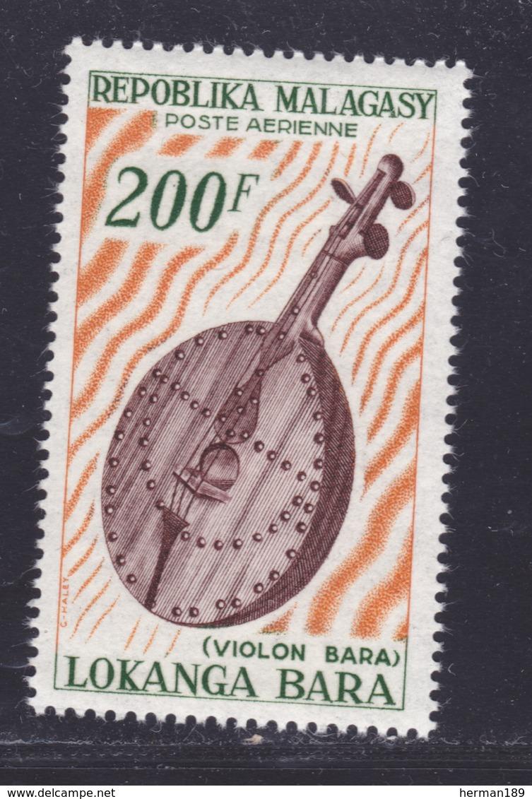 MADAGASCAR AERIENS N°   97 ** MNH Neuf Sans Charnière, TB (D8365) Instrument De Musique, Violon Bara - 1965 - Madagascar (1960-...)