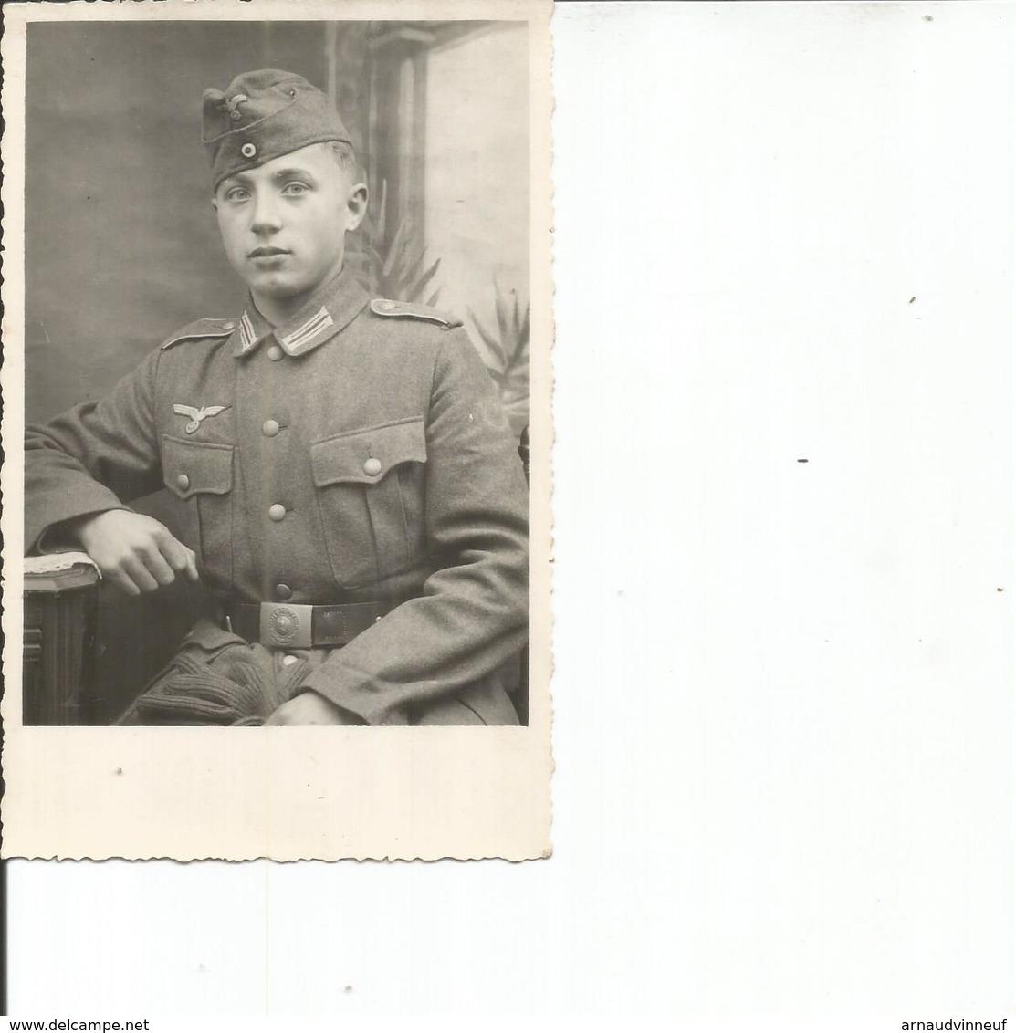 CARTE PHOTO JEUNE SOLDAT - Personnages