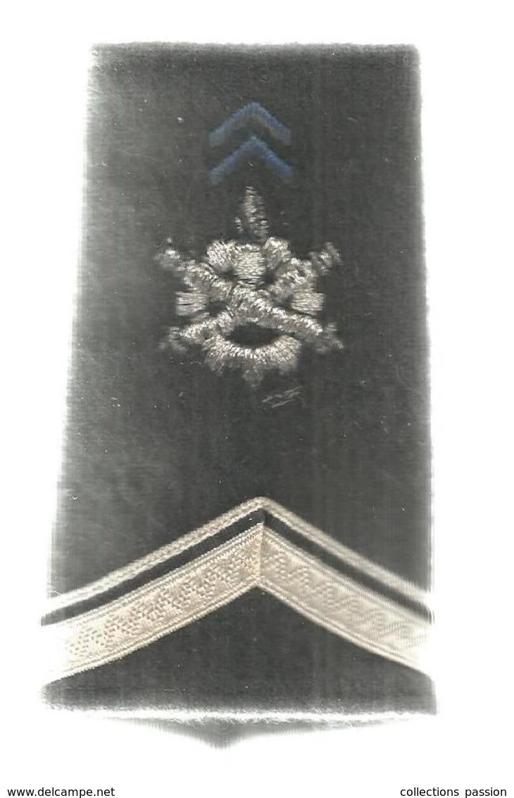 Passant D'épaule , épaulette , Grade , Militaria - Ecussons Tissu
