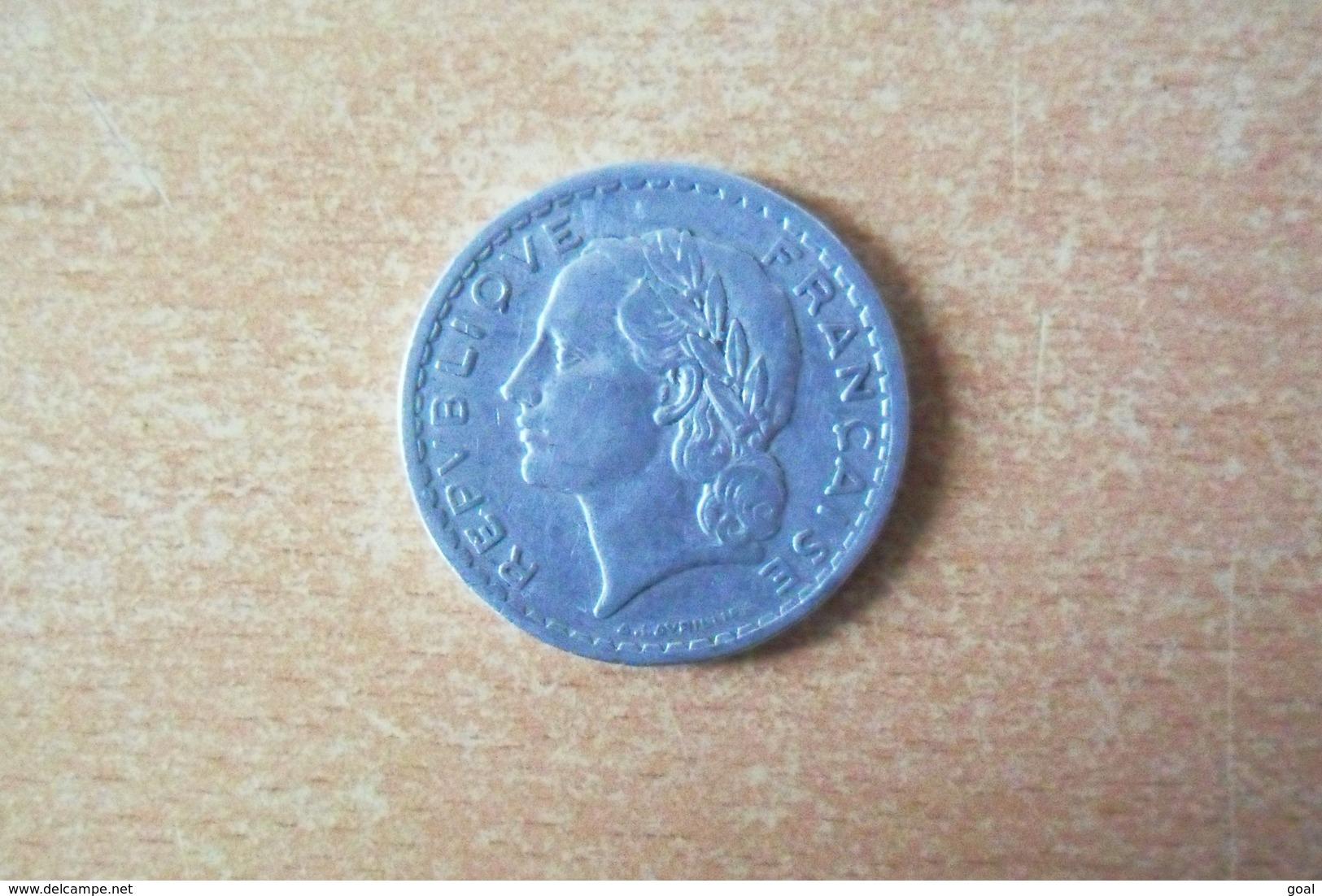 """5 Francs """"Lavrillier"""" De 1945 C  En TTB+ - France"""