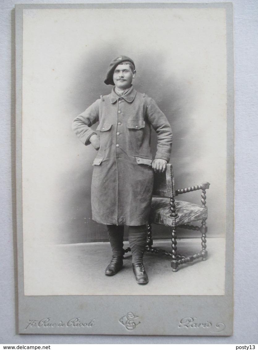 Photographie Ancienne De Cabinet -  Chasseur Alpin - Photographie  De La Samaritaine , Paris  - TBE - Guerre, Militaire