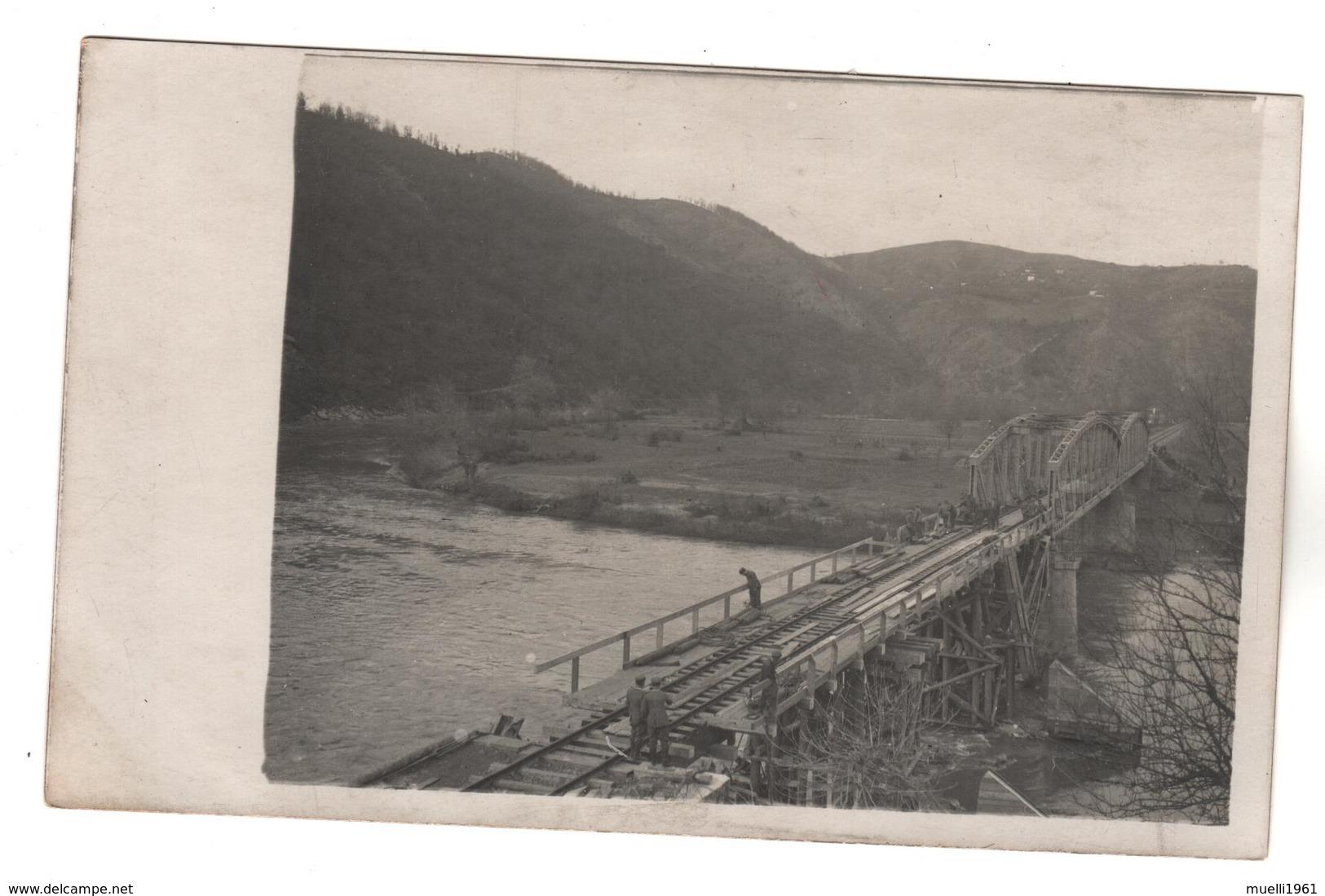 +2470 , FOTO-AK, WK I, KRIEGSBRÜCKE BEI SUGOVAC IN SERBIEN  DEZ 1916 - Guerra 1914-18