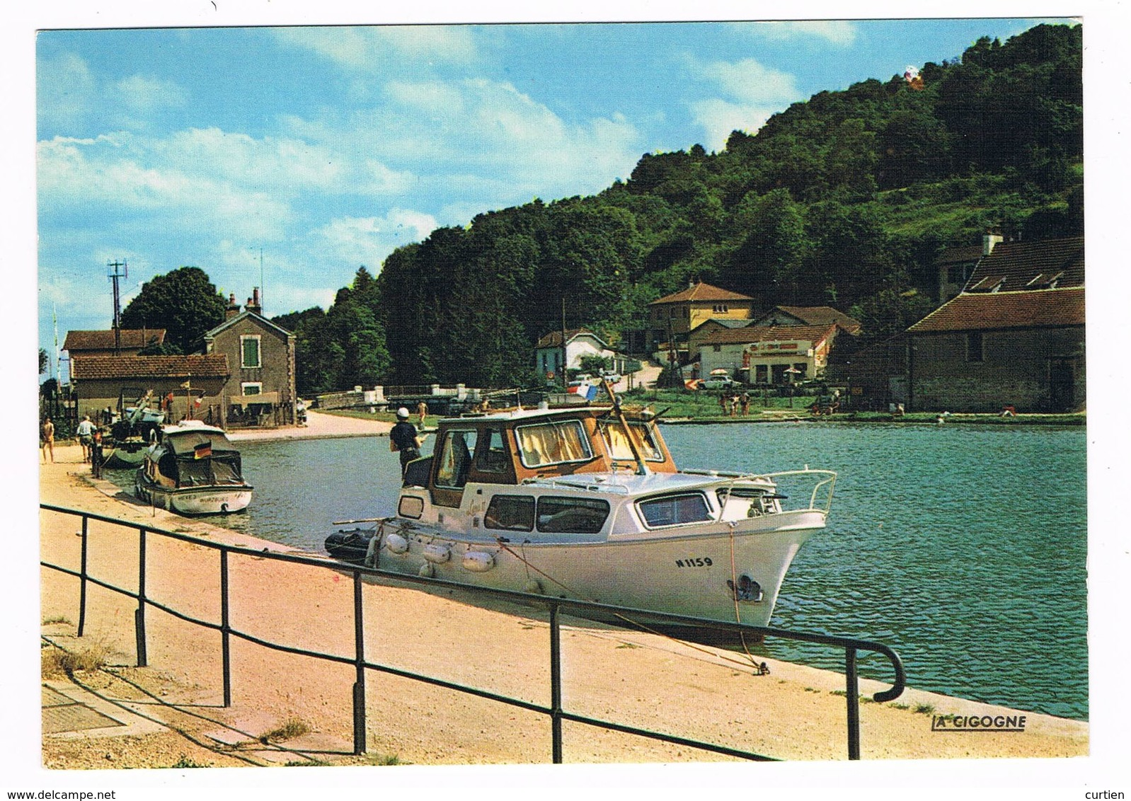 PLOMBIERES Les DIJON  21  Le Port Du Canal Avec Bateau - Other Municipalities