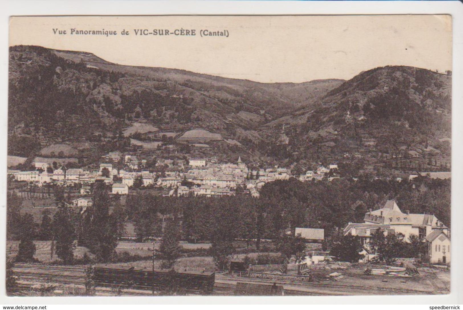 26782 Vue Panoramique Vic Sur Cere  Cantal- Sans éd - - France